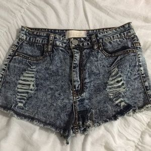 Distressed high wasted shorts!